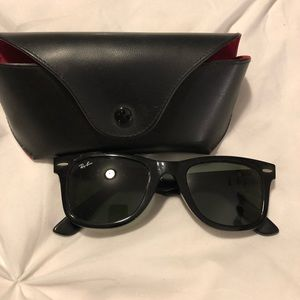 Classic wayfarer Rayban sunglasses